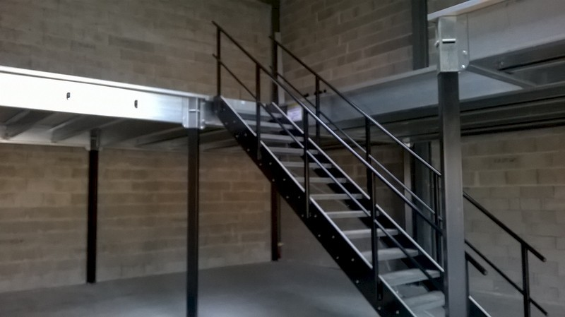 Mezzanine sur-mesure pour industrie / Mezzatech - Maintenance and Co