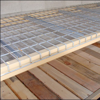 Plancher sapin pour stockage palette rayonor maintenance and co for Plancher mezzanine